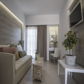 White Pearls Luxury Suites